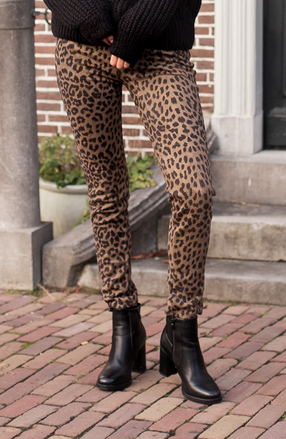 Lise-Leopard-Pants-Green-2