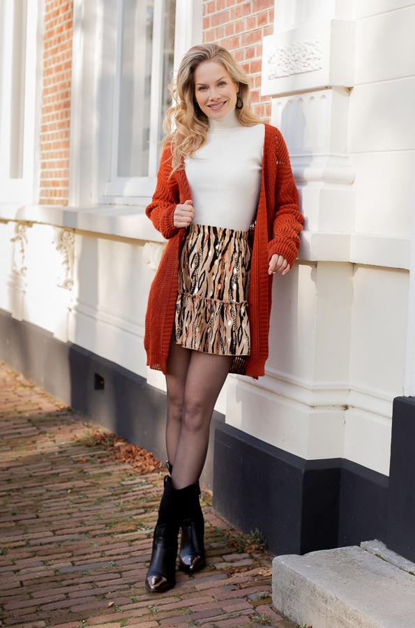 Rose-zebra-skirt-taupe-1