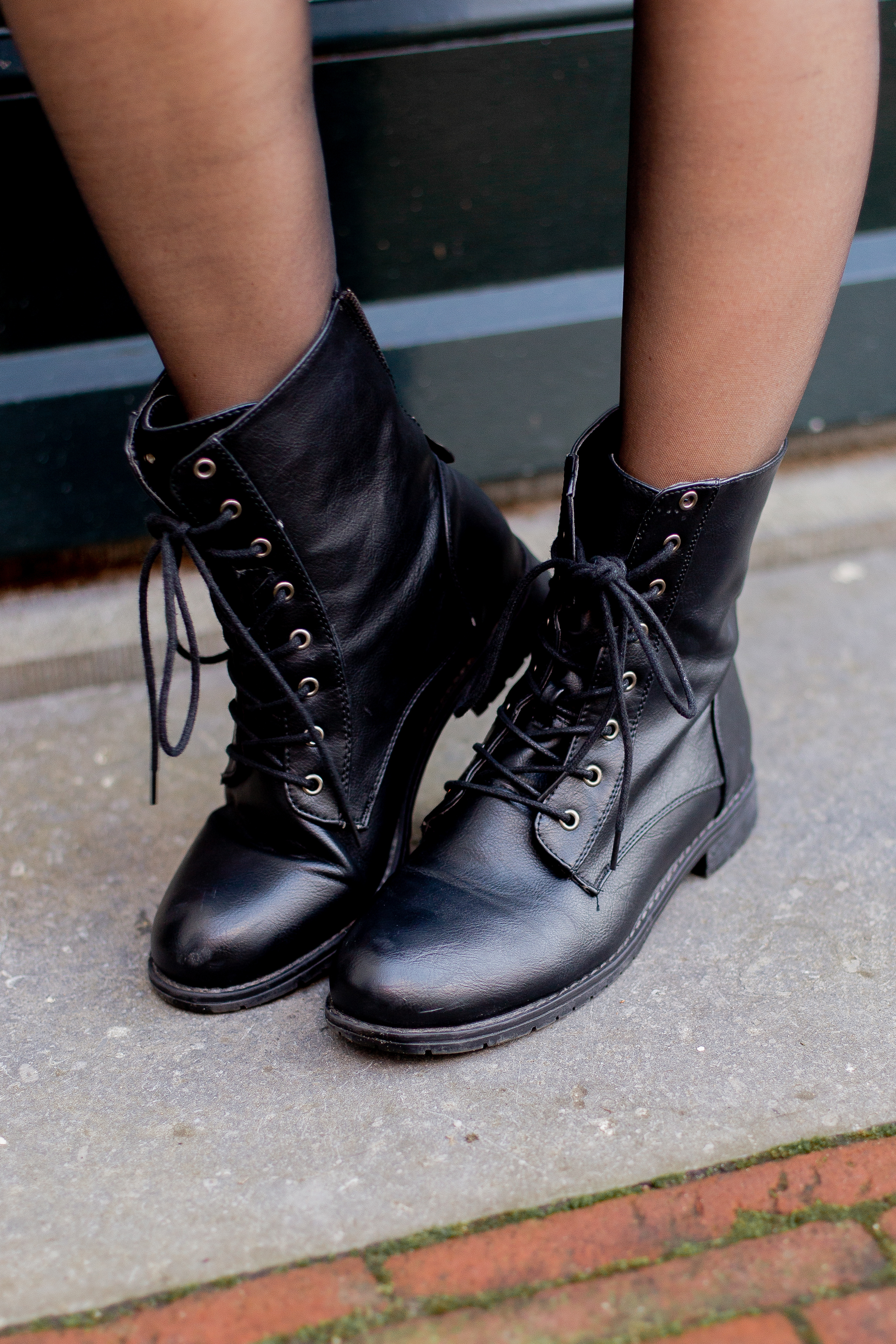 ruby-zip-boots-black-2