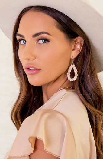 Bella-Oval-Earrings-Beige-2'