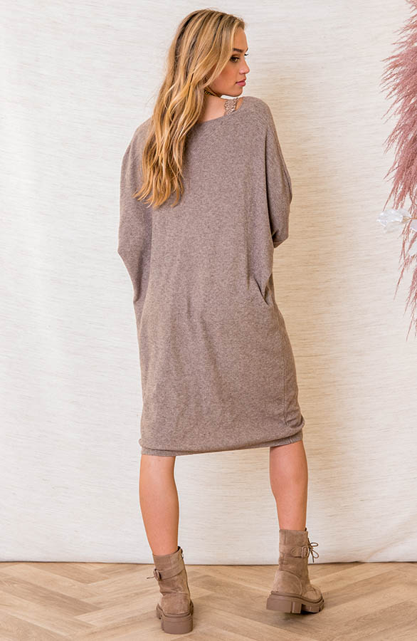 Oversized-Sweater-Dress-Rosanne-Taupe-3