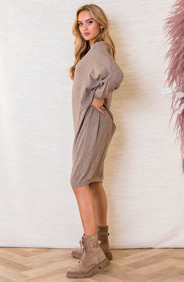 Oversized-Sweater-Dress-Rosanne-Taupe-4
